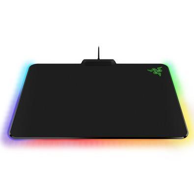 Mousepad Gamer Razer Firefly Cloth, Control/Speed, Chroma, Médio (355x255mm) - RZ02-02000100-R3U1